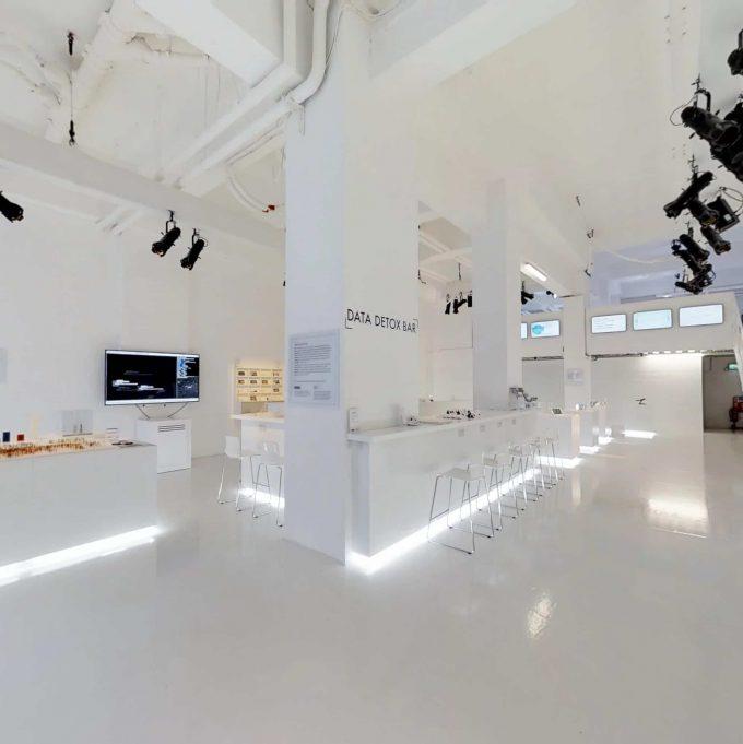 3D Virtual Tour the glass room Firefox